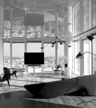mirrored-ceiling-in-a-penthouse-apartment-walls-visually-increase-0-832709926