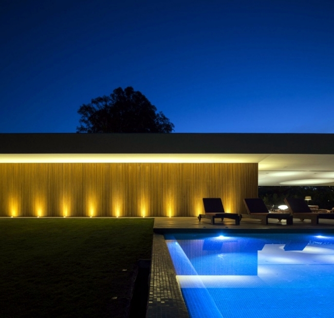 Modern architectural solutions from Brazil - Lee House by Studio MK27