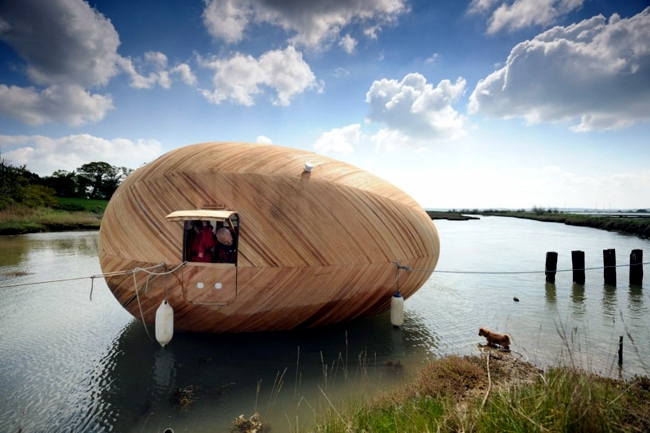 Modern Boat House offers possibilities to explore the marine animals