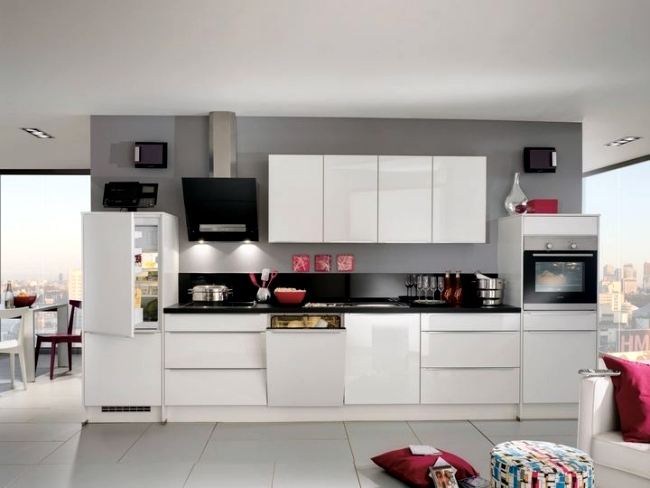 Modern high gloss kitchen in white 20 dream kitchens with high gloss