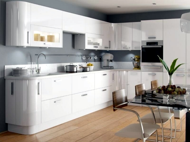 White Modern Gloss With Black Handles Kitchen