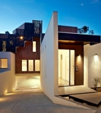 modern-house-in-melbourne-warm-wood-tones-and-neutral-colors-0-528568384