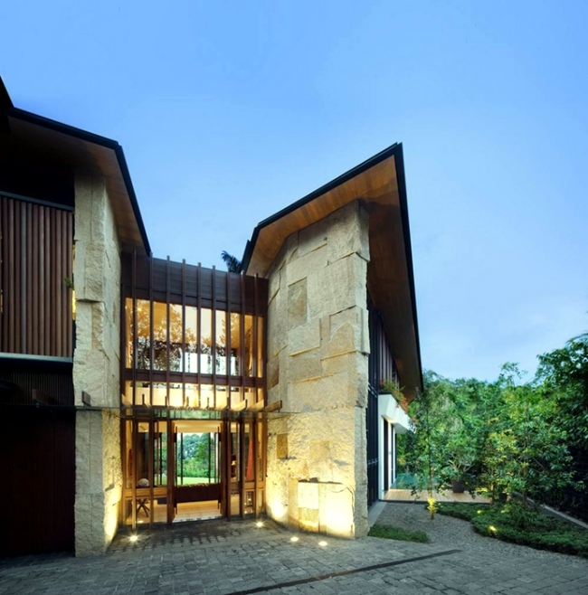 Modern House In Singapore With Trapezoid Shape On A