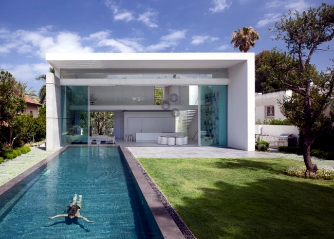 This Modern Glass Was Designed By The Architectural Studio Pitsou Kedem  Israel And Is The Perfect Example Of A Chic And Minimalist Architecture.  The House ...