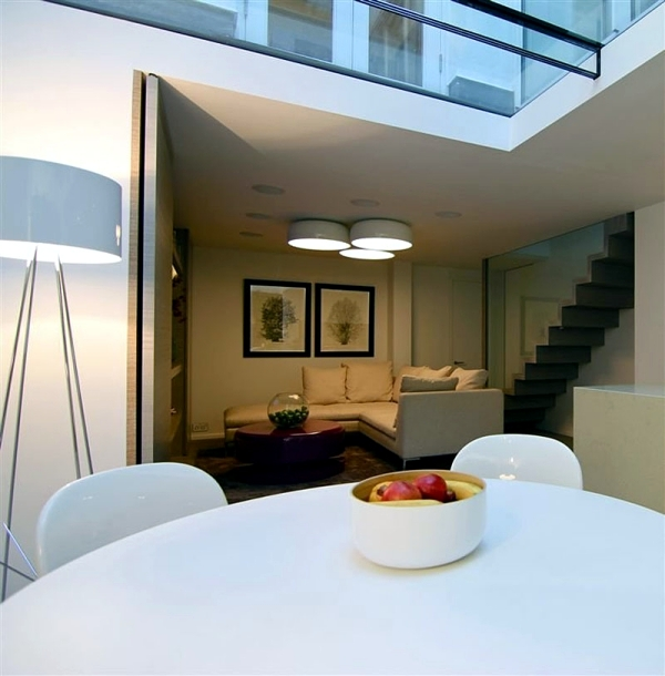Modern House Design On Small Site Witin A Tight Budget: Modern House Renovation In London