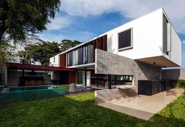 Modern House With A Flat Roof Garden And Pool In Sao Paolo
