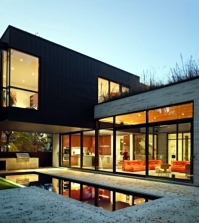modern-house-with-glass-fronts-in-toronto-offers-attractive-residential-style-0-1728393312