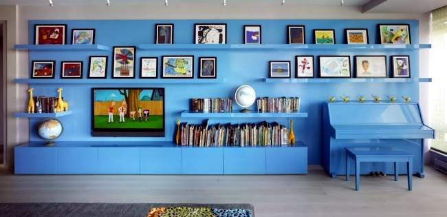 Modern interior design in Californiastyle with vibrant colors