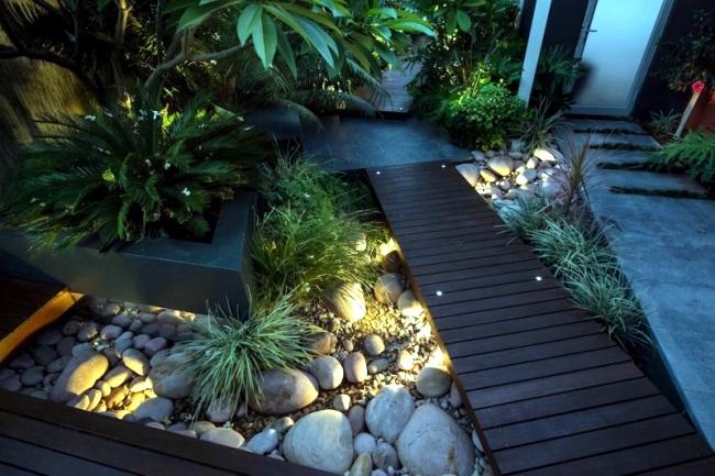 Modern urban garden landscape conveys a touch of exoticism for Urban garden design