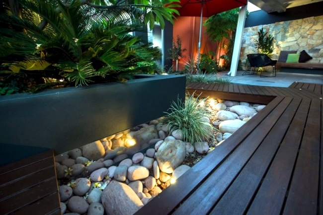 Modern urban garden landscape conveys a touch of exoticism