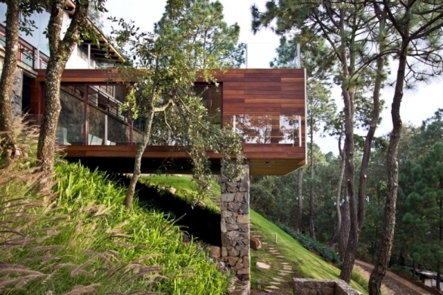 Modern Wood House On A Steeply Sloping Site In Mexico