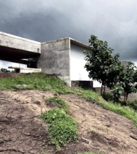 monolithic-concrete-house-with-spectacular-views-in-india-0-470842496