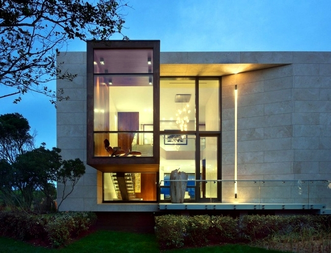 Monolithic modern villa in New York in exposed coastal location