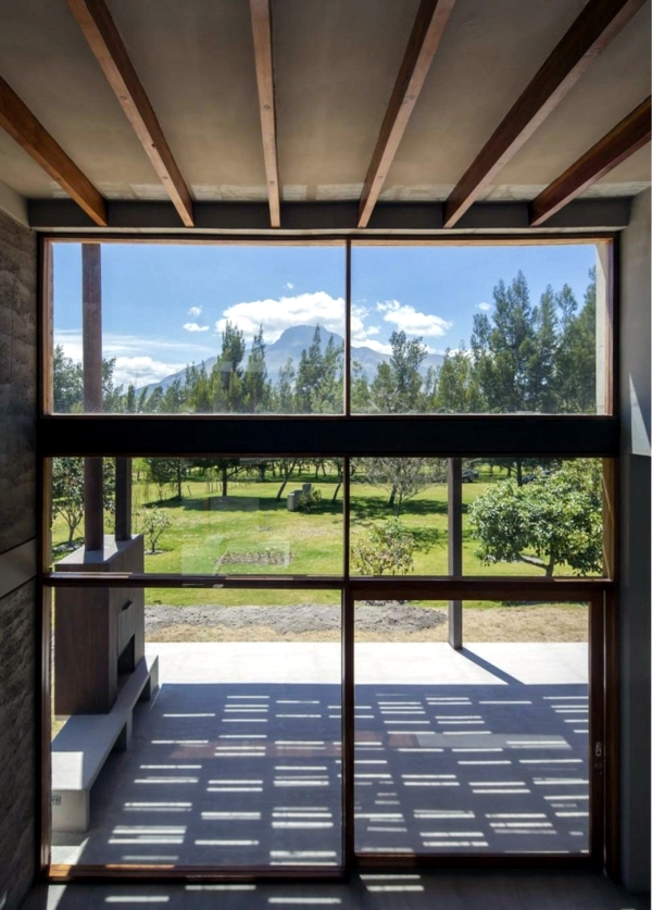 Mountain house blurs the line between inside and outside