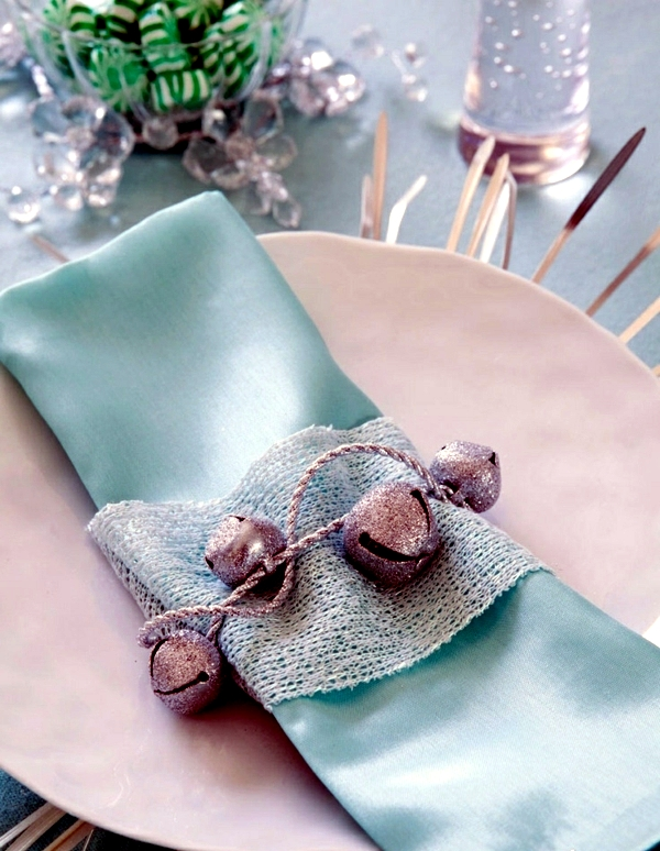 Napkin Folding - beautiful table decorations in the dining ...