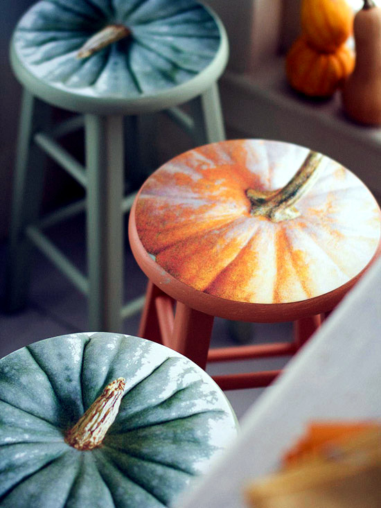 Organize a fancy party with the perfect fall decoration