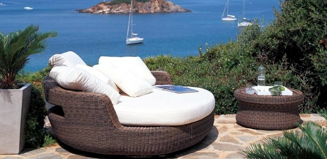 Outdoor furniture and accessories - complete furniture solutions from Unopiu