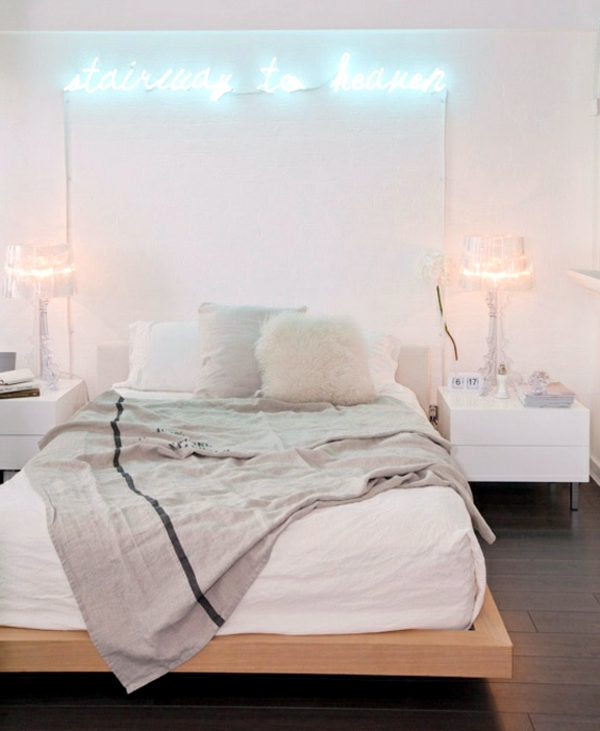 Pastel bedroom colors 20 ideas for color schemes for Room decor neon signs