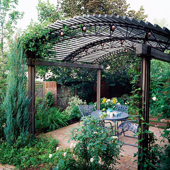 Pergola in the garden - 10 interesting ideas for wooden arbors