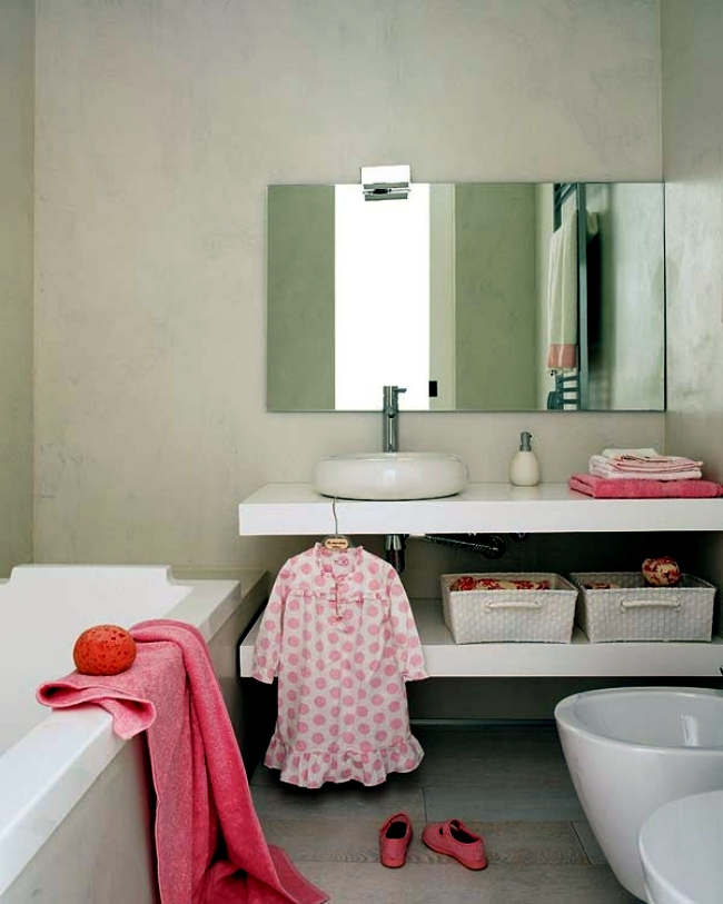 Pink children's room with bathroom - device for a little princess