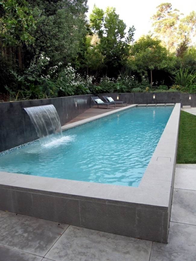Water pool garden concrete for Building a swimming pool in garden