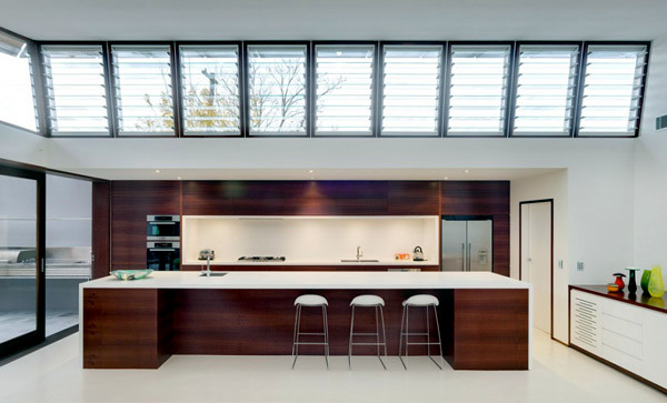 Queens Park Residence in Sydney - wood gives the house design heat