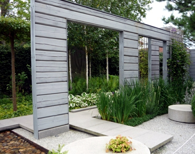 Rainwater harvesting in the garden saves money and protects nature