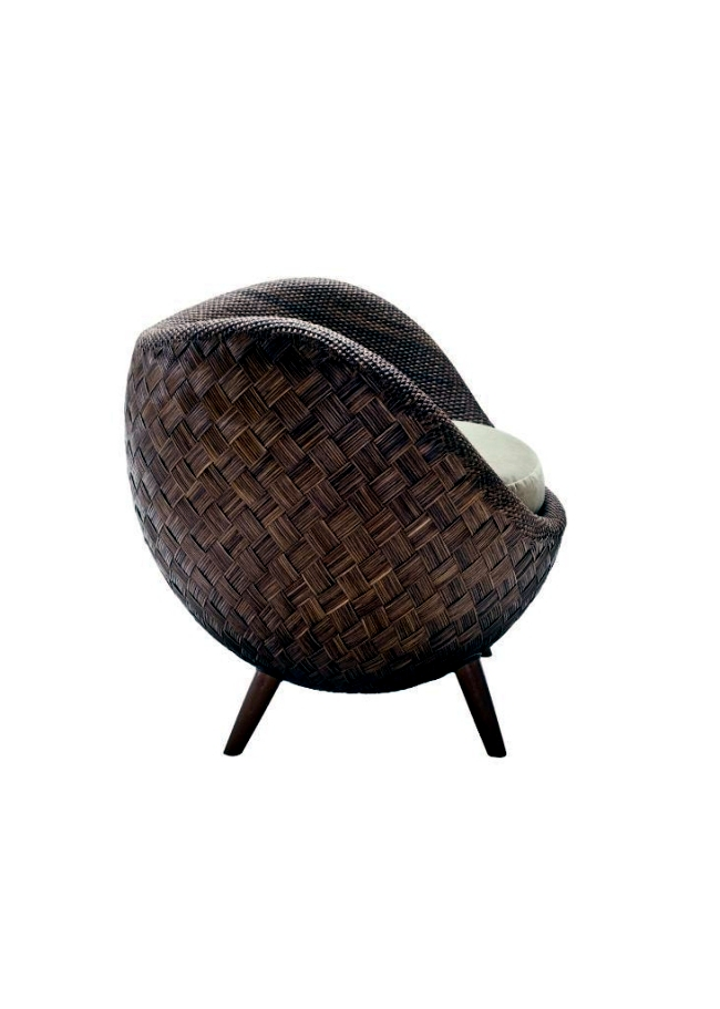 Rattan chair inspired by the Moon - La Luna by Kenneth Cobonpue