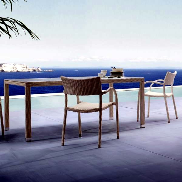 Rattan lounge furniture for patio and garden from Roberti Rattan Italy