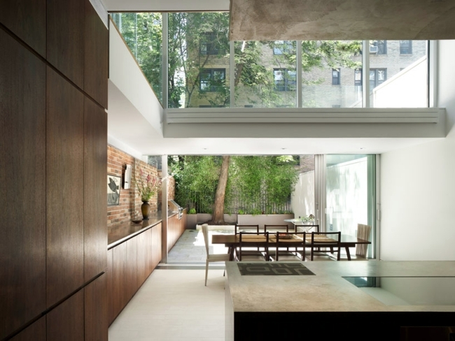 Renovated house in New York City boasts a new facade design