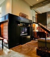 retro-interior-design-with-industrial-touch-in-a-chic-la-apartment-0-1228777489