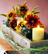 rustic-autumn-table-decoration-wooden-box-with-fruit-and-candles-0-593325072