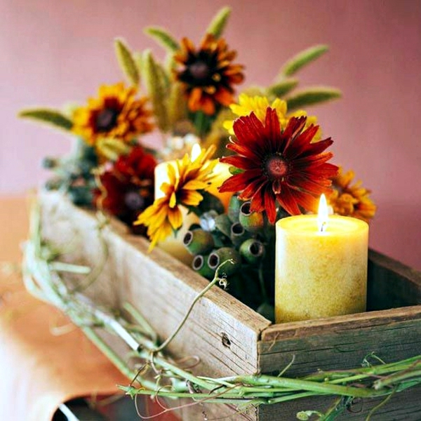 Rustic autumn table decoration wooden box with fruit and for Autumn flower decoration