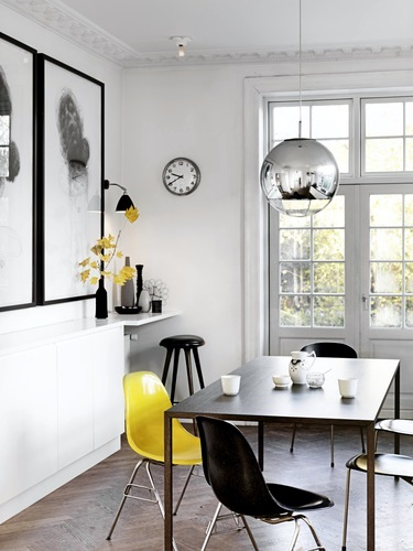 Scandinavian interior black and white