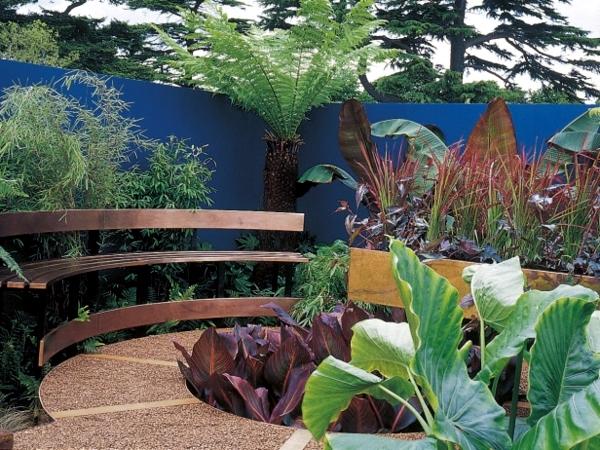 Screening fence or garden wall - 102 Ideas for Garden Design