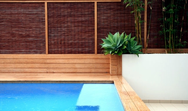 Screening fence or garden wall 102 ideas for garden for Natural garden screening ideas