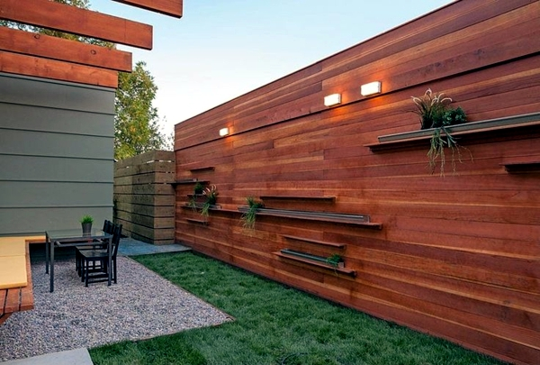 Screening fence or garden wall - 102 Ideas for Garden Design