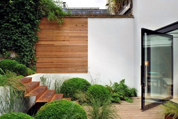 screening fence or garden wall 102 ideas for garden design - Garden Wall Ideas
