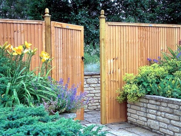 Screening fence or garden wall – 102 Ideas for Garden Design ...