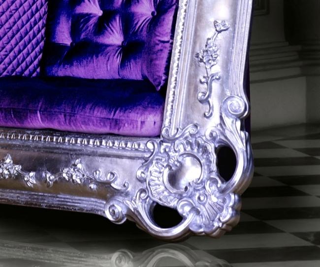 Set velvet cushion chair design Slokoski in a portrait frame