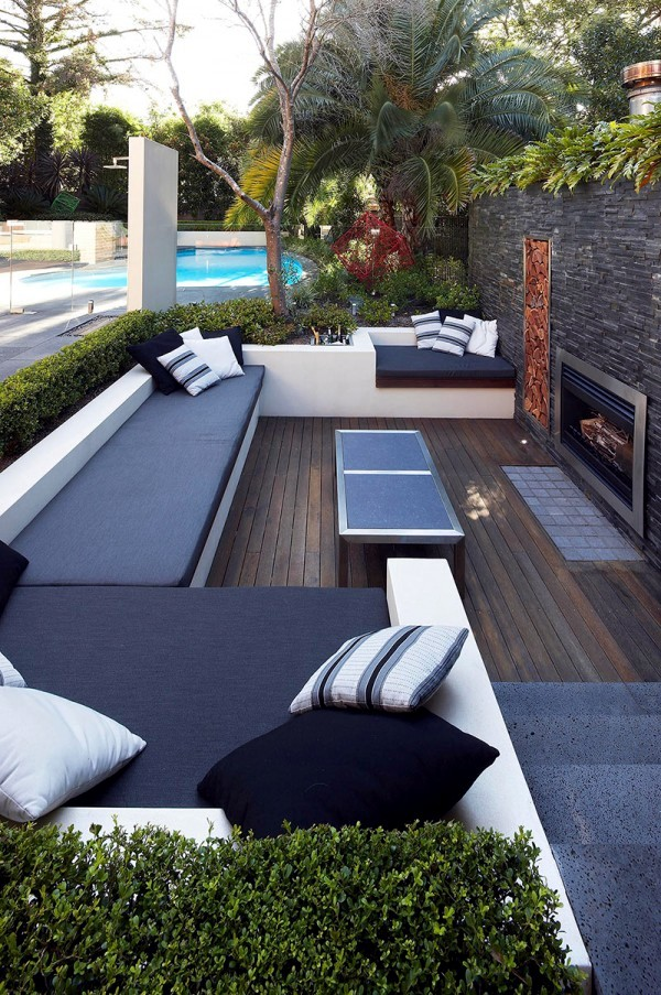 Garden Patio With Lounge Furniture