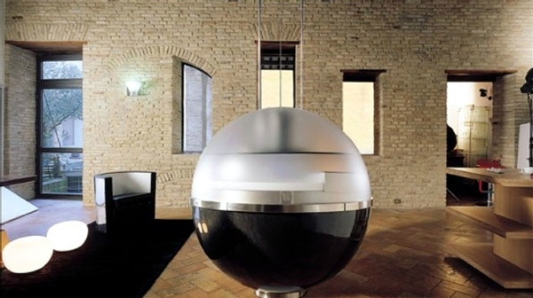 Sheer spherical mini-kitchen offers new freedom of movement