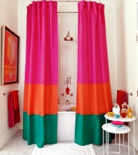 shower-curtain-and-decorate-it-nicely-original-ideas-for-making-your-own-0-1268870681