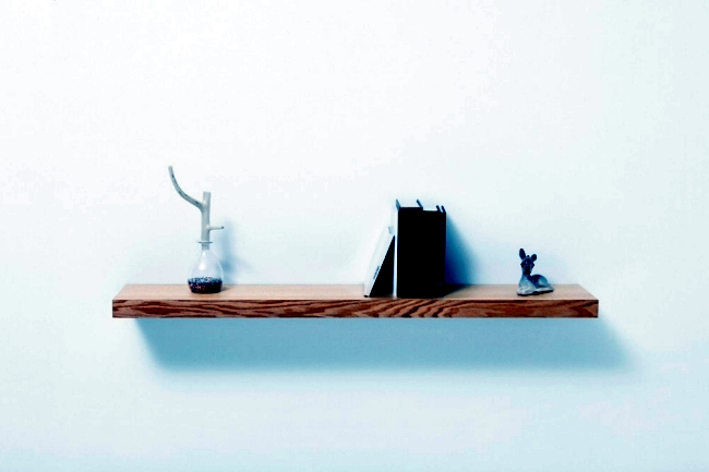 "Simple wall shelf with secret compartment - ""Clopen"" Torafu of Architects"