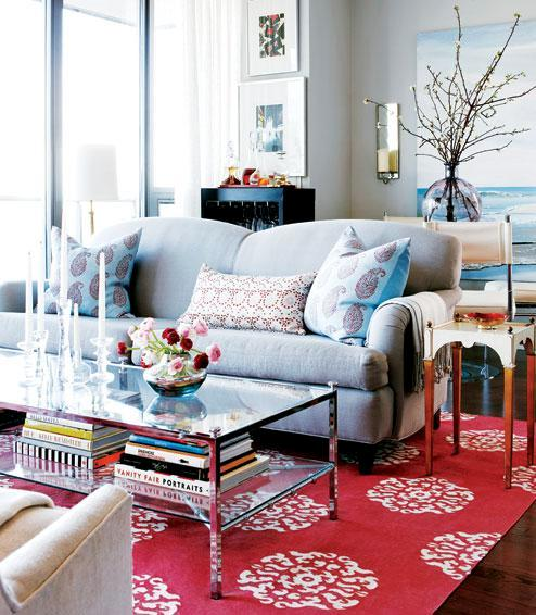 Eclectic Furnishings: Small Apartment With Eclectic Furnishings