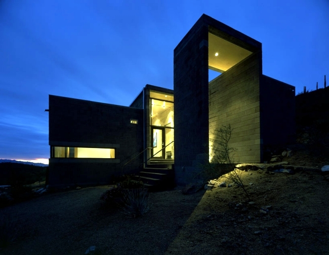 Stone and Steel characterize a modern massive house in the Arizona desert
