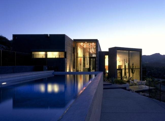 Stone and Steel characterize a modern massive house in the Arizona desert