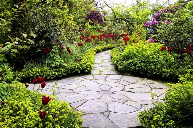Stone slabs in the garden opportunities and design tricks stone slabs in the garden tips and useful information patio area stone slabs in the garden workwithnaturefo