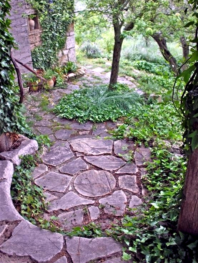 Stone slabs in the garden - Opportunities and design tricks