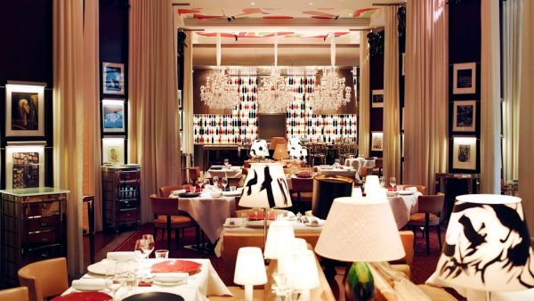 """The 10 most expensive luxury hotels in the """"City of Love"""" Paris"""